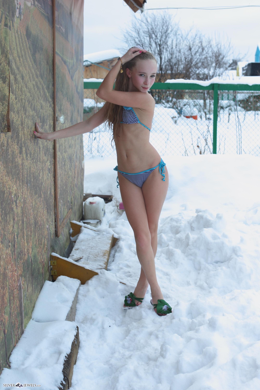 Seems sarah snow model exist?